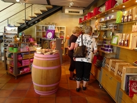 La boutique de l'office de tourisme de Saint-Emilion