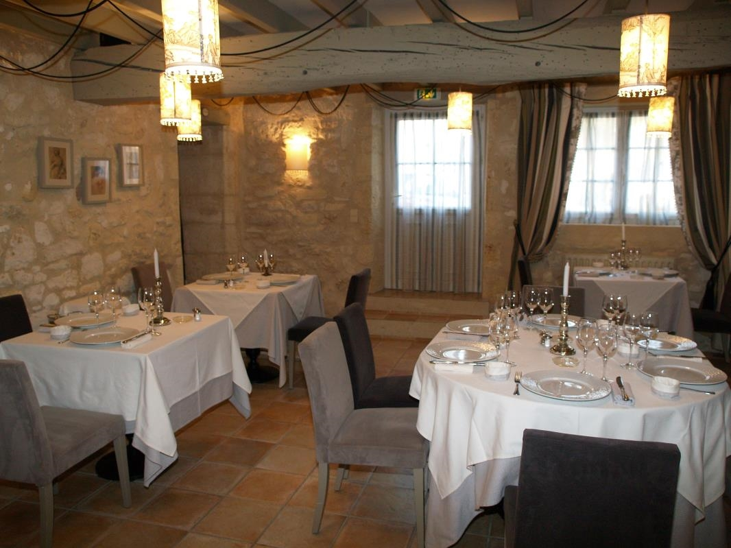 caruso33 restaurant le clos mirande montagne pr s de saint emilion. Black Bedroom Furniture Sets. Home Design Ideas