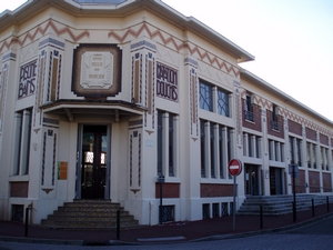 Caruso33 d couvrir b gles 33130 mairie office de for Piscine de begles