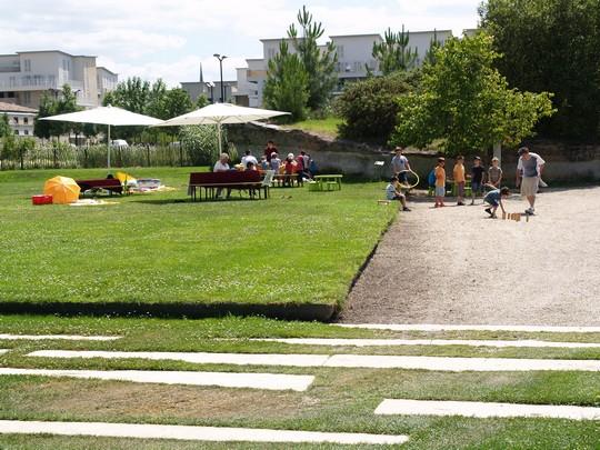 Caruso33 le jardin botanique bordeaux bastide for Jardin botanique bordeaux