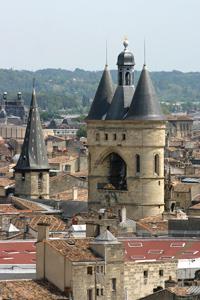 Caruso33 la tour pey berland bordeaux gironde for Appartement bordeaux grosse cloche