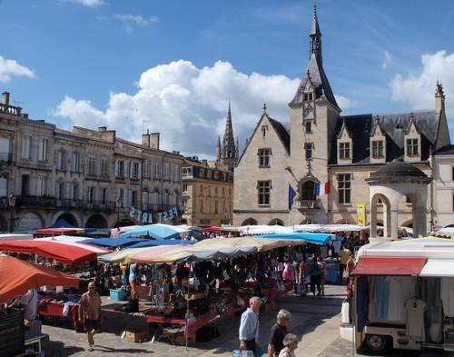 Caruso33 d couvrir libourne 33500 tourisme et for Piscine de libourne