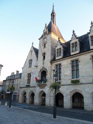 Caruso33 d couvrir pomerol 33500 tourisme et patrimoine visites libournais gironde - Office de tourisme libourne ...