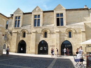 SAINT-EMILION: L'office du tourisme